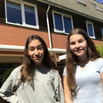 Babysitter Almere Stad: Zila en Kim