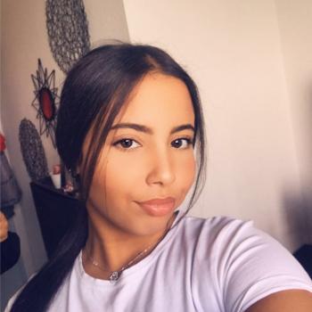 Baby-sitter Lyon: Lina