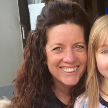 Babysitter in Dunedin: Mary