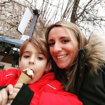 Babysitter in Girona: Laura