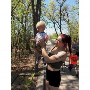 Baby-sitter Winnipeg: Catie