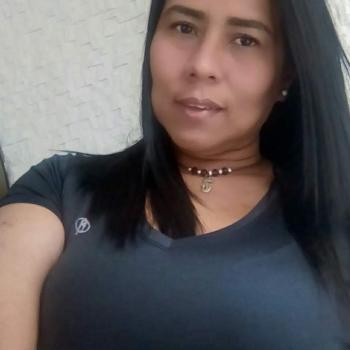 Niñera Chía: Yumelys