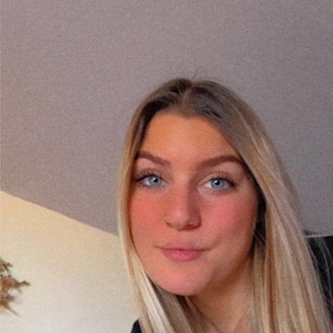Babysitter in Le Bizot: Cassandra