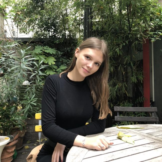 Baby-sitter in Paris: Mathilde