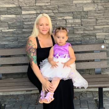 Assistante maternelle Surrey: Candice