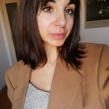 Babysitter Bologna: Elvira