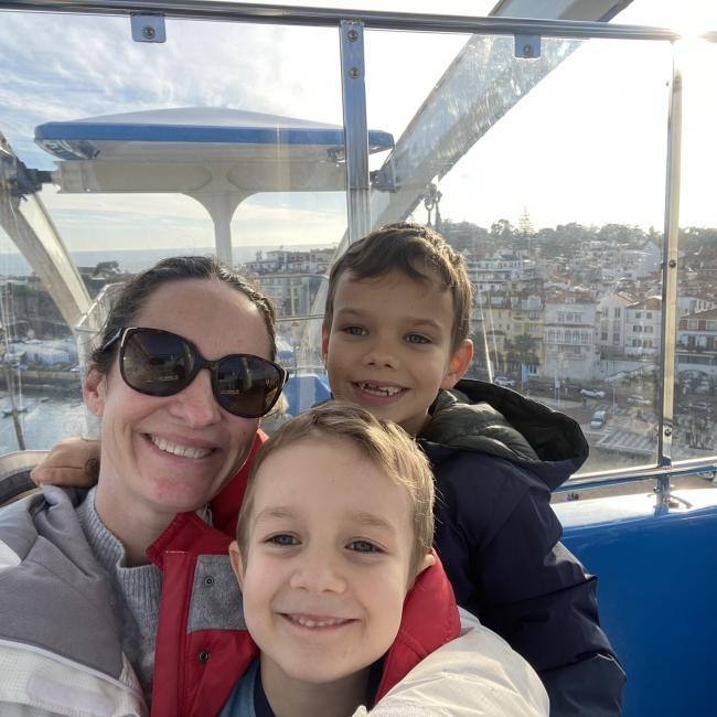 Trabalho de babysitting em Oeiras: Liz