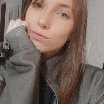 Babysitter Joinville: Andressa Silmara
