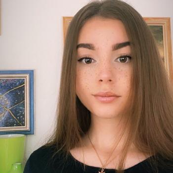 Babysitter in Gempenach: Kristina