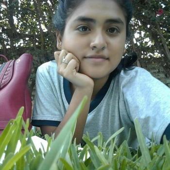 Niñera Trujillo: Lourdes