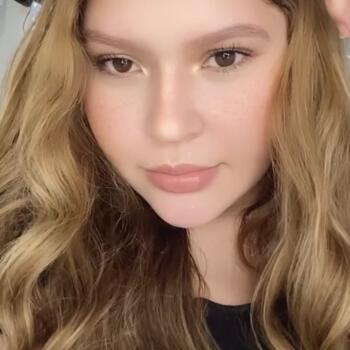 Babysitter in Paterson: Alejandra