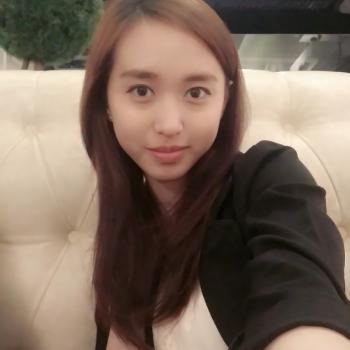 Babysitter Choa Chu Kang New Town: Olivia