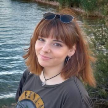 Canguro en Toledo: Julia peinado