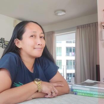 Babysitter in Singapore: Yen