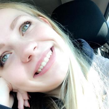 Babysitter Calgary: Emilie