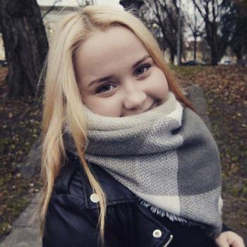 Barnvakt Lidingö: Laura