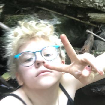 Babysitter Brookfield Center: Awsten Barrett