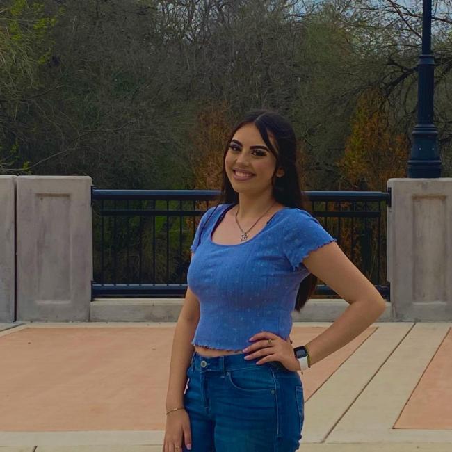 Babysitter in San Antonio: Victoria