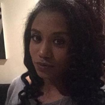 Babysitter Gold Coast: Sharina