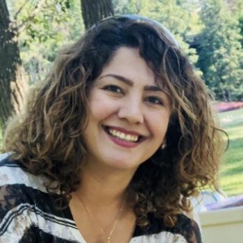Baby-sitting Calgary: job de garde d'enfants Leila