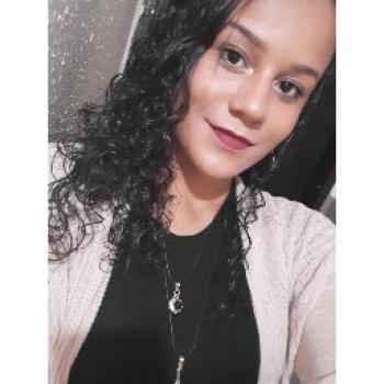 Babá Goiânia: Ester Assis