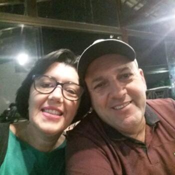 Babysitter Joinville: Adriana Melin