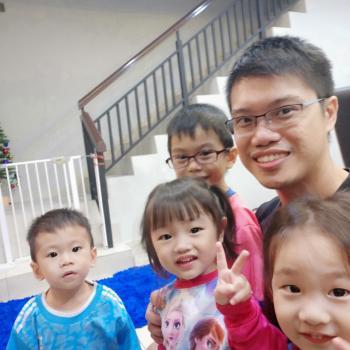 Babysitter Johor Bahru: Mr.Xela