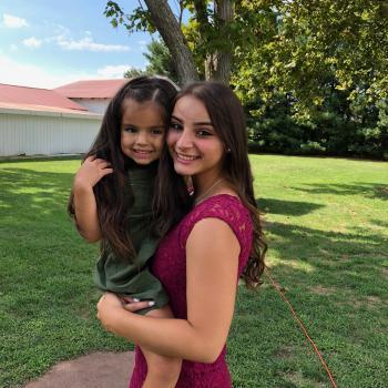Babysitter Freehold: Chloe