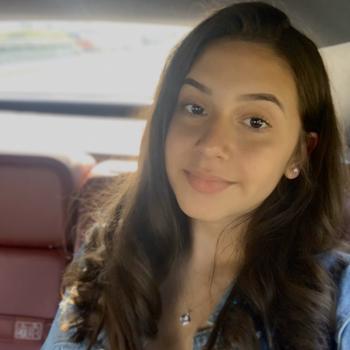 Babysitter East Hartford: Alyssa