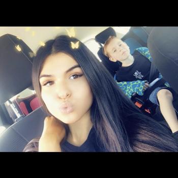 Babysitter Adelaide: Nayema