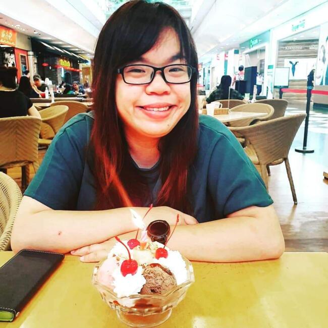 Babysitter in Singapore: Aileen