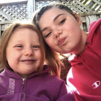 Baby-sitter in Burlington: Emily