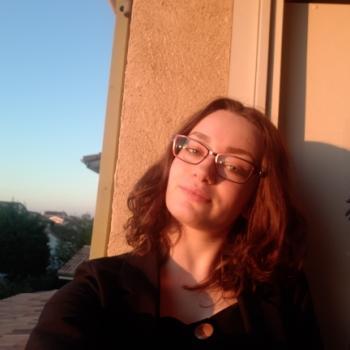 Babysitter in Valence: Noémie