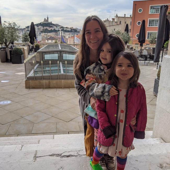 Job de garde d'enfants à Marseille: Jarred and Sarah