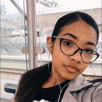Babysitter em Sintra: Katharine Barbosa Santos