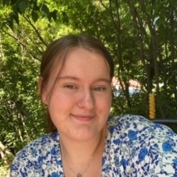 Baby-sitter in Saskatoon: Elisabeth