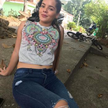 Niñera Caldas: Mariana