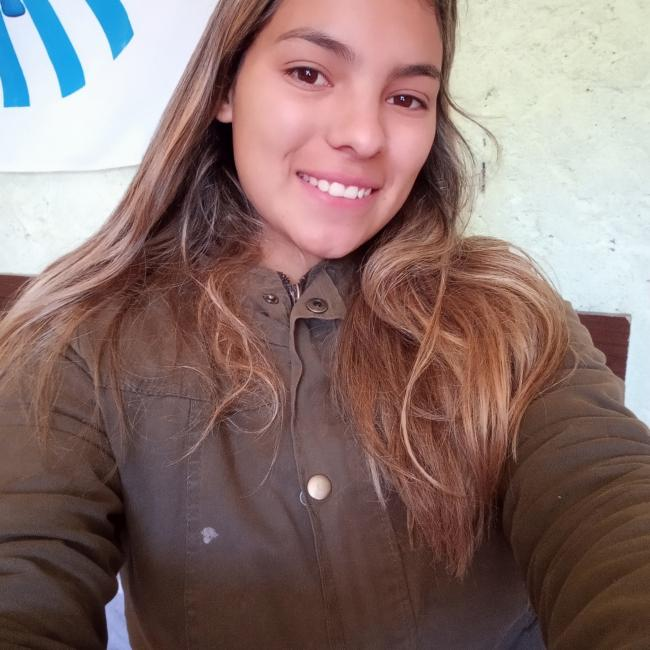 Babysitter in Paso de Carrasco: Angie