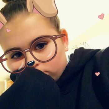 Babysitter Queenstown: Emma
