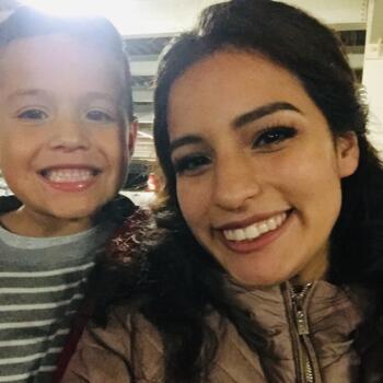 Babysitter in Tijuana: Fernanda