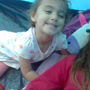 Babysitter Halifax: Chloe louise wright