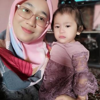 Babysitter in Kuala Lumpur: NORZAFIRAH