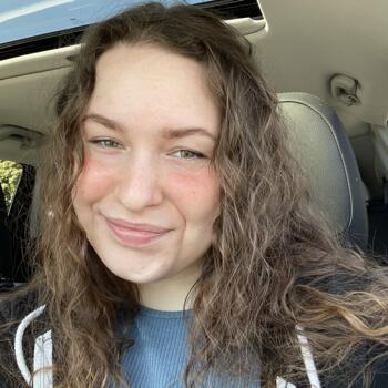 Babysitter in Beaverton: Megan