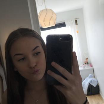 Babysitter in Haninge: Alexandra