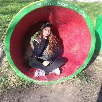 Babysitter in Atlántida: Romina