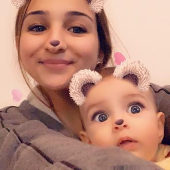 Babysitter Vänersborg: Bella