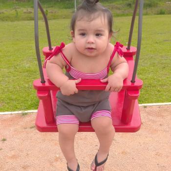 Emprego de babá em Porto Alegre: emprego de babá Dayan