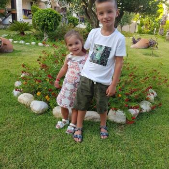 Baby-sitting Stekene: job de garde d'enfants Mangnus