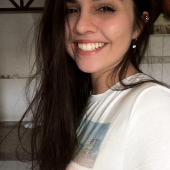 Babá Blumenau: Larissa