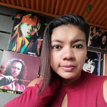 Niñera en Desamparados (San José): Adriana